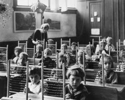 Homeschooling, fără şanse între experţi şi umanitarişti